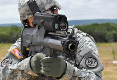 http://4.bp.blogspot.com/-DF6QGVjaytc/Th8IZ-HnmFI/AAAAAAAABds/I5uAcYpcMs8/s640/xm25-individual-airburst-weapon-system-iaws.jpg